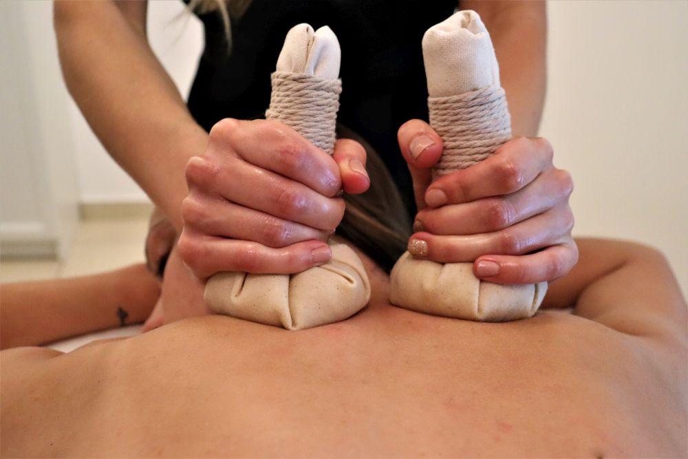 masaż stemplami w salonie Yasumi